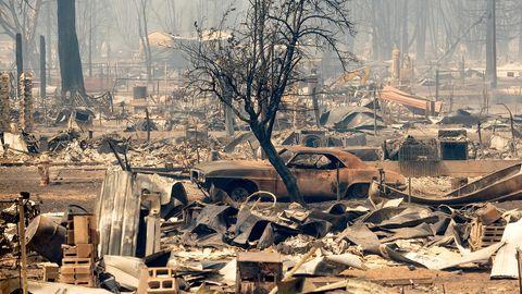 Verbrannte Gegenstände, die von den Flammen der Waldbrände des sogenannten Dixie-Feuers zerstörte wurden sind im Zentrum von Greenville zu sehen.