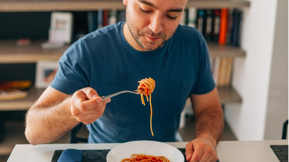 Student isst Spaghetti