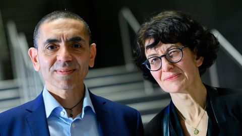 Ugur Sahin und seine Frau Özlem Türeci, die Gründer des Mainzer Corona-Impfstoff-Entwicklers Biontech