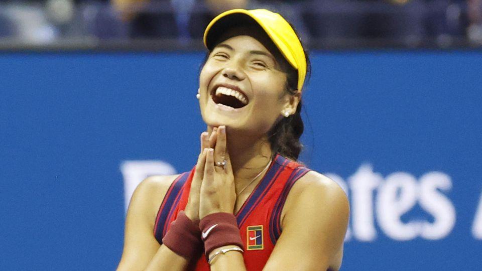 Kann ihr Glück kaum fassen: Als erste Qualifikantin in der Geschichte der US Open schaffte Emma Raducanu den Einzug ins Finale