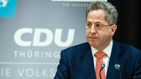 Hans-Georg Maaßen vor dem Logo der CDU Thüringen
