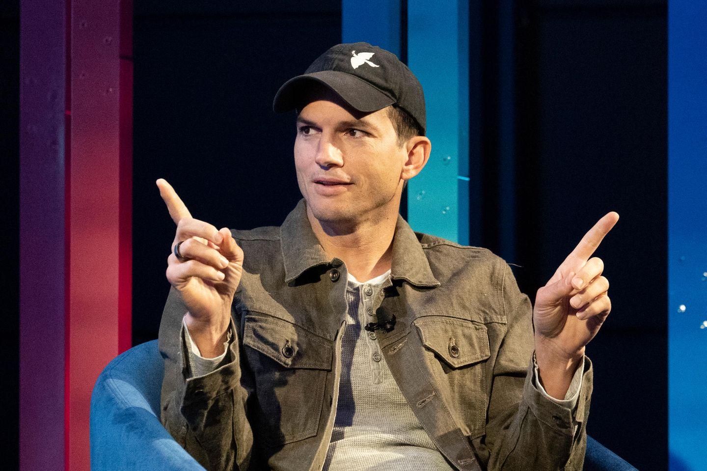 """Vip-News: Nach Diskus um Körperhygiene: Ashton Kutcher sieht sich """"Dusch dich""""-Sprechchören ausgesetzt"""