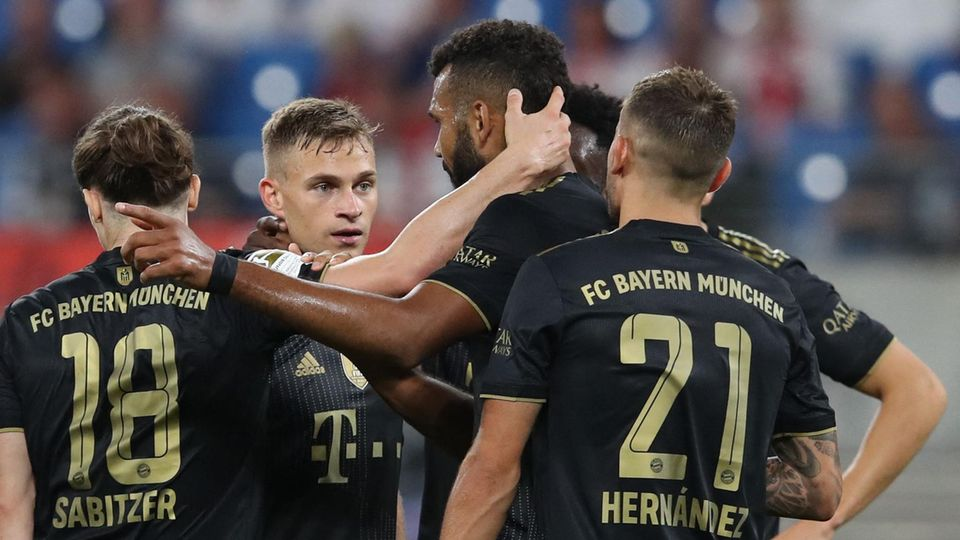 Bayern München-Spieler jubeln