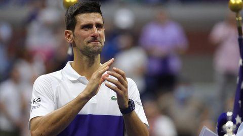 Djokovic klatscht weinend nach seiner Niederlage bei den US Open 2021
