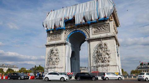Christos Lebenstraum nach Tod erfüllt – Pariser Triumphbogen wird verhüllt