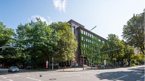 Außenaufnahme der Ida Ehre Schule im Hamburger Stadtteil Eimsbüttel