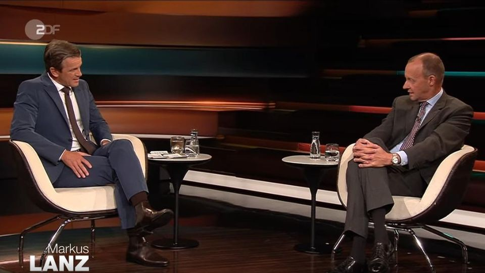 """CDU-Mitglied und Teil von Kanzlerkandidat Armin Laschets """"Zukunftsteam"""": Friedrich Merz (r.) zu Gast bei Markus Lanz (l.)"""