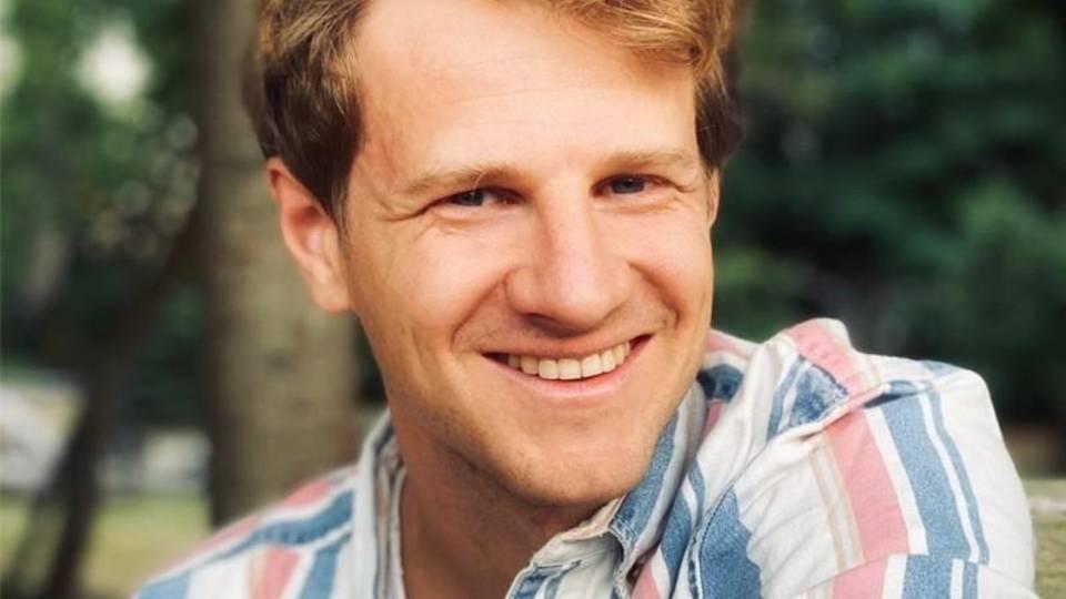 Benjamin Merle ist Chief Product Officer beim Solarunternehmen Enpal. Er hält einen Master-Abschluss von der University of Oxford in Environmental Change and Management und war, bevor er zu Enpal gestoßen ist, mehrere Jahre bei Aurora Energy Research tätig.