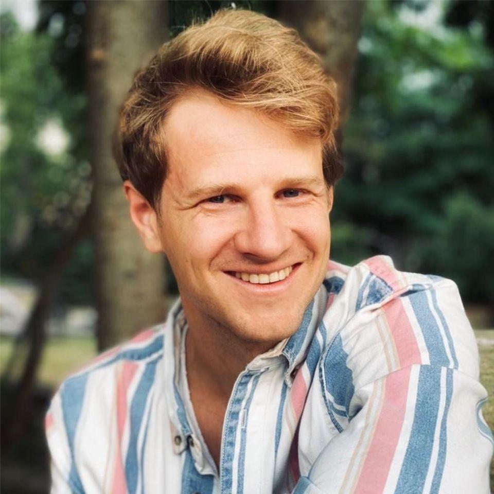Benjamin Merle è il chief product officer della società di energia solare Enpal.  Ha conseguito un master in Environmental Change and Management presso l'Università di Oxford e, prima di entrare in Enpal, ha trascorso diversi anni in Aurora Energy Research.