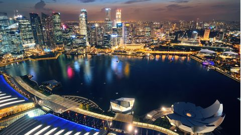 Julia Bohl ist frei: Reifeprüfung in Singapur