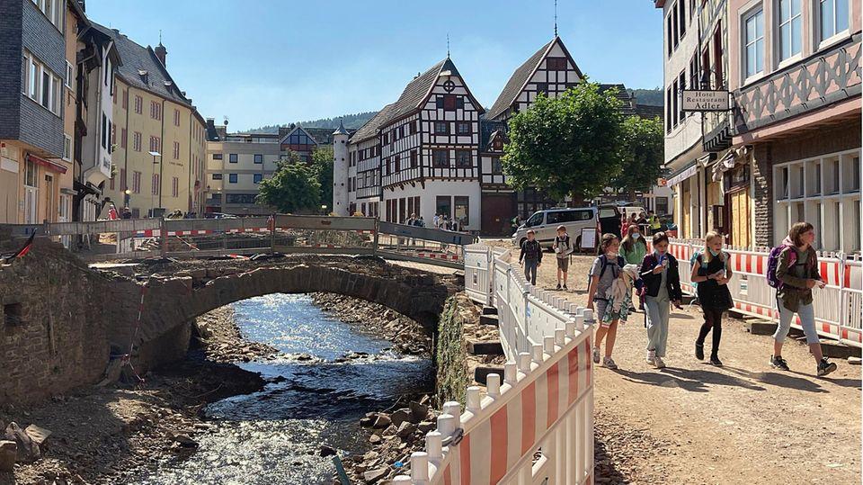 In Bad Münstereifel haben die Aufbauarbeiten begonnen