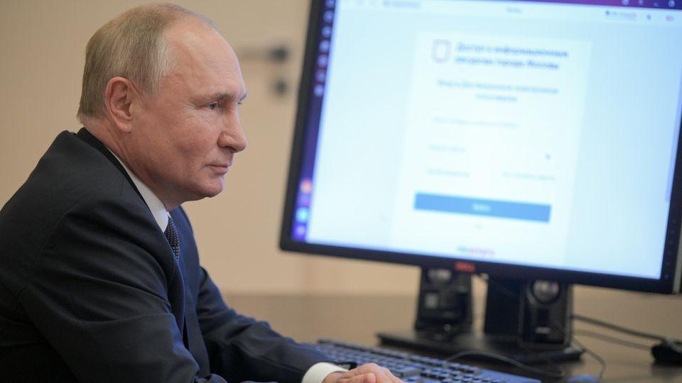 Duma-Wahl in Russland: Wladimir Putin will seine Stimme am 17. September online abgebeben haben.