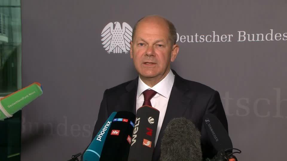 Durchsuchung im Finanzministerium: Geldwäsche: Scholz erscheint überraschend vor Ausschuss – und nimmt Kritikern Wind aus den Segeln