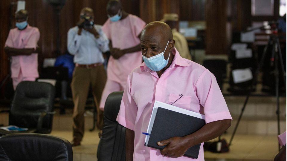 Paul Rusesabagina nimmt an seiner Gerichtsverhandlung teil