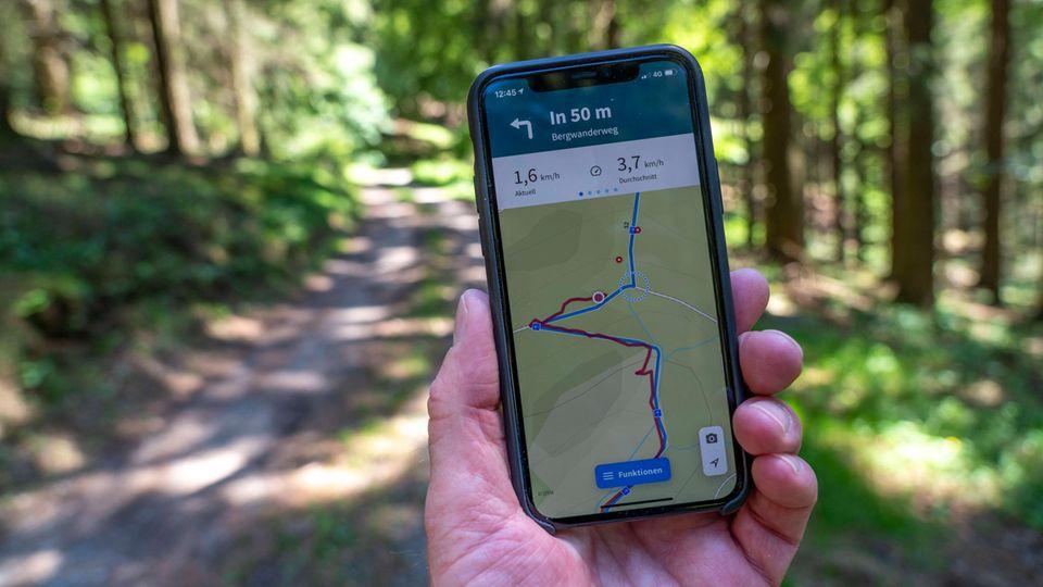 Gute Begleiter für unterwegs: Wander-Apps im Test