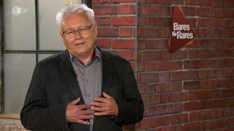 Verkäufer Roland Hauck steht im Studio von Bares für Rares in Pulheim