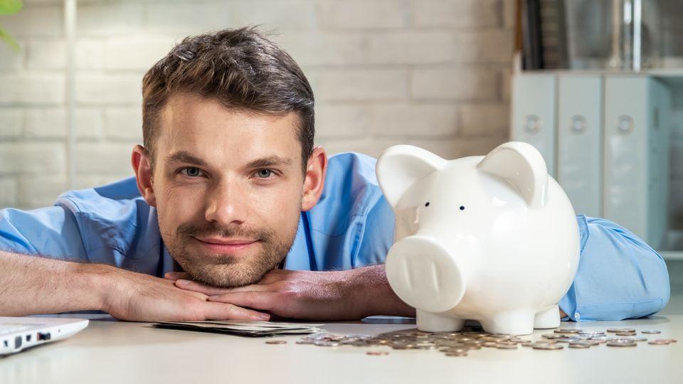 Festgeld bringt zumindest mehr Zinsen als das Sparschwein