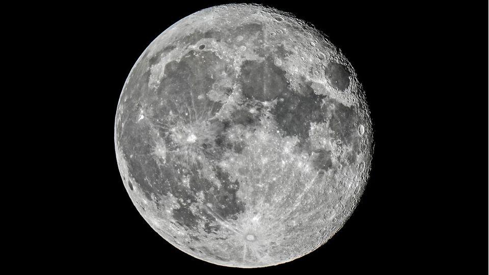 Studie über den Mond - Beeinflusst der Planet wirklich unseren Schlaf?