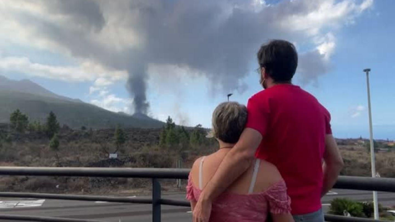 Vulkanausbruch auf La Palma: Explosionen und Lavaströme treiben Urlauber zur Abreise