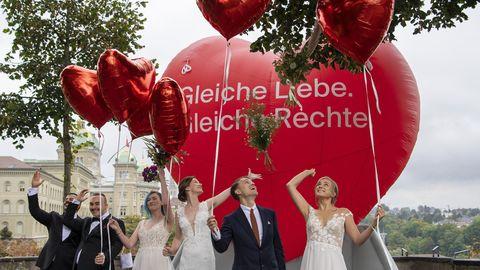 Schweizer stimmen per Volksentscheid für gleichgeschlechtliche Ehe