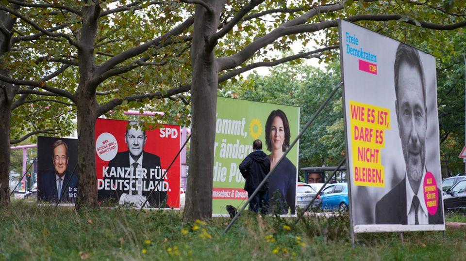 Wahlplakate der Union, SPD, Grünen und FDP