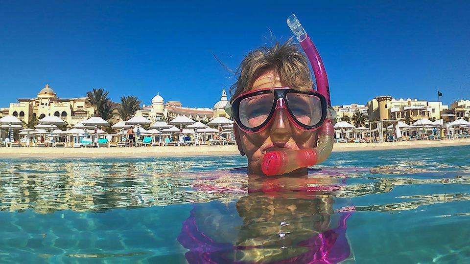 Schnorchler im Wasser