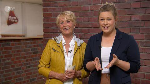Ulla Lensing und ihre Tochter Lena Keen  stehen im Studio von Bares für Rares in Pulheim