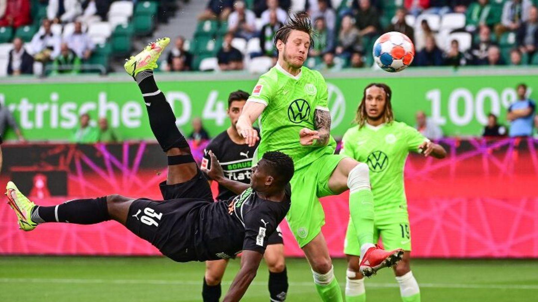 Gladbachs Breel Embolo gelingt gegen Wolfsburg ein Treffer per Fallrückzieher