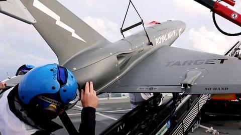 Royal Navy testet neue Jet-Drohnen auf Flugzeugträger