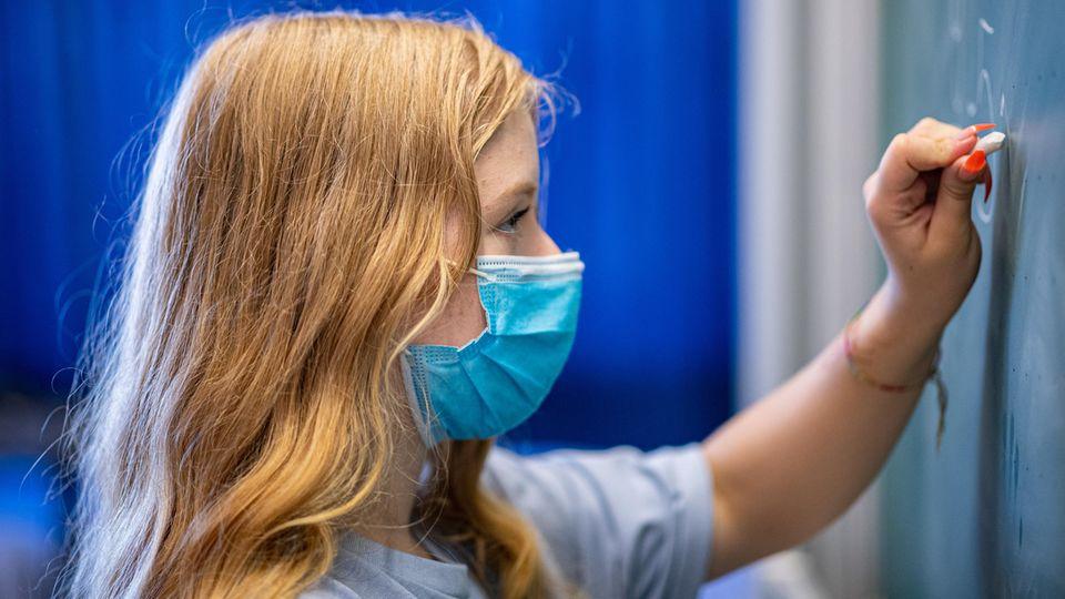 Kurswechsel in der Pandemie Weitere Bundesländer lockern Maskenpflicht an Schulen