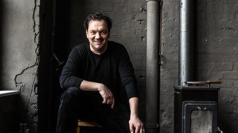 Charly Hübner, 48, Schauspieler, Teilzeit-Musiker und jetzt auch Schriftsteller
