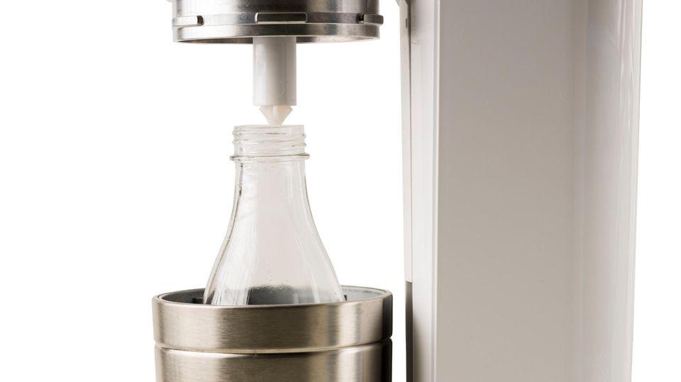 Eine Glasflasche von Sodastream