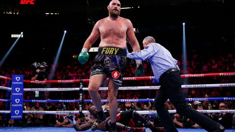 Die Entscheidung: Tyson Fury schickt Deontay Wilder in der elften Runde auf die Bretter und verteidigt seinen WM-Titel.
