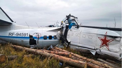 16 Menschen sind bei einem Flugzeugabsturz in Russland ums Leben gekommen.