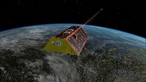 """Das Satellitenpärchen der Mission """"Grace FO"""" synchronisiert sich im Orbit mit Laserstrahlen"""