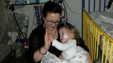 Nancy und Charlotte im Krankenhaus