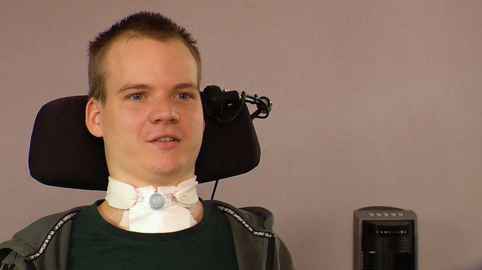 Querschnittsgelähmt nach Trampolinsturz: So kämpft sich Nathan zurück ins Leben