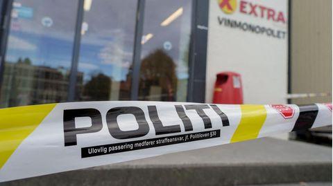 Ein Supermarkt ist als Tatort im norwegischen Kongsberg von der Polizei abgesperrt worden.