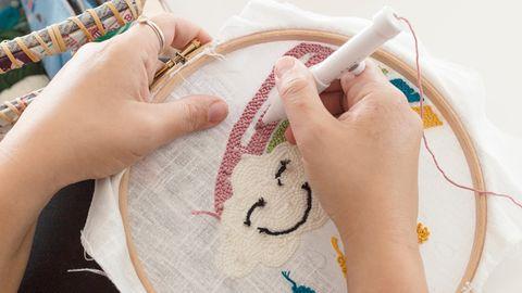 Mit der Punch Needle können Sie kreative 3-D-Muster sticken