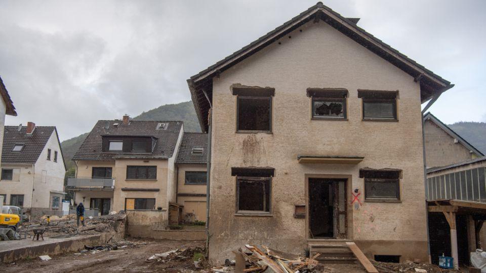 Ein von der Flut zerstörtes Haus in Altenahr