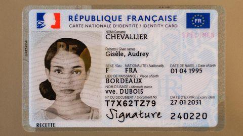 Neuer französischer Muster-Personalausweis