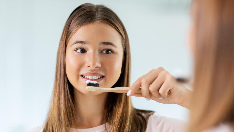 zahnpflege-zahnpasta-im-vergleich-aronal-blend-a-med-und-odol-med-3-schneiden-im-kotest-schlecht-ab