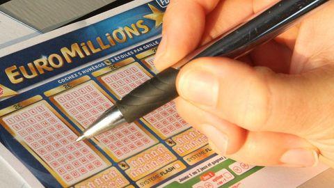 Ein glücklicher Gewinner in Frankreich hat den bislang größten Jackpot der Lotterie Euromillionen geknackt.