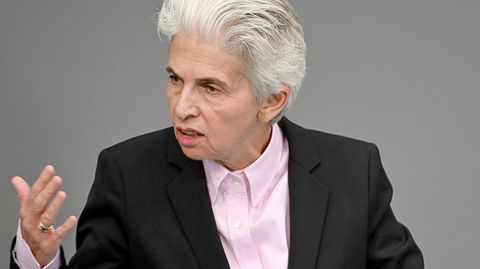 FDP-Vorstandsmitglied Marie-Agnes Strack spricht im Bundestag