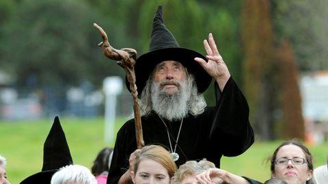 """Eine Kultfigur in Neuseeland: der """"Wizard of New Zealand"""" Ian Brackenbury Channell"""