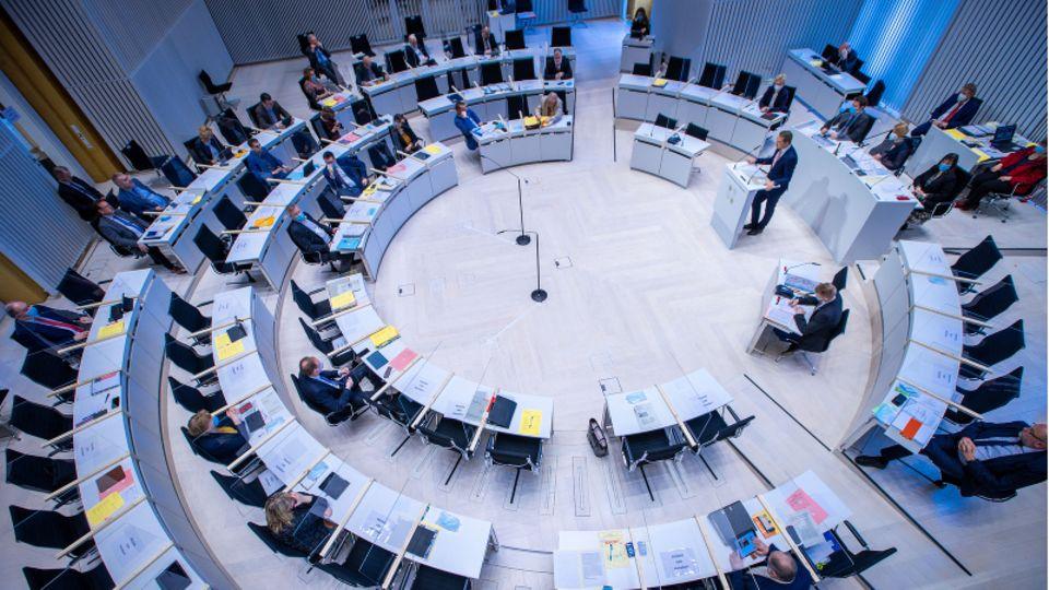 Plenarsaal des mecklenburg-vorpommerischen Landtags in Schwerin
