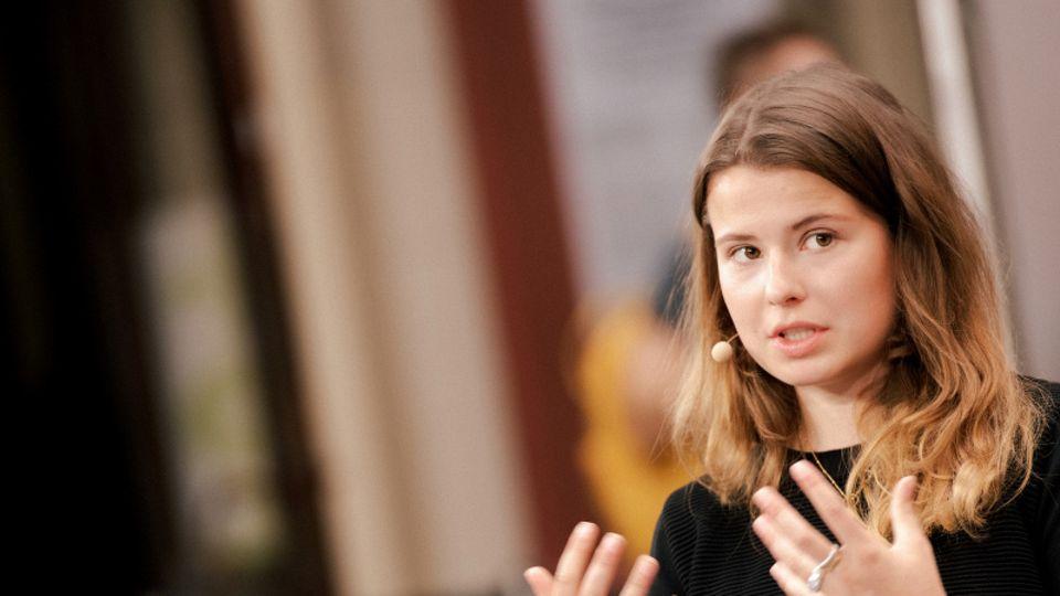 Luisa Neubauer auf der Pressekonferenz am Freitag