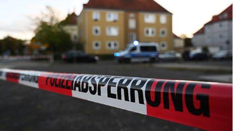 Polizeiabsperrung vor kontrollierter Sprengung