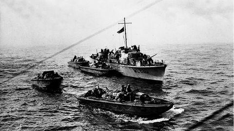Einer Gruppe von Commandos gelang es eine schwere Batterie zu stürmen und zu sprengen.