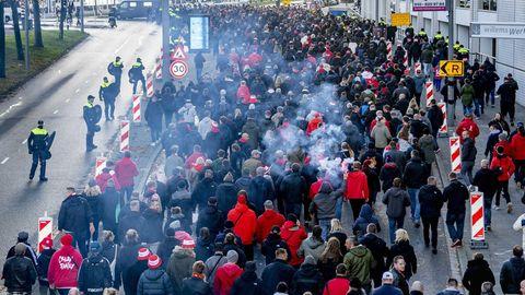 Chaotischer Einlass oder bewusste Schikane?Viele Union-Fanskamen erst spät insFeyernoord-StadionDe Kuip